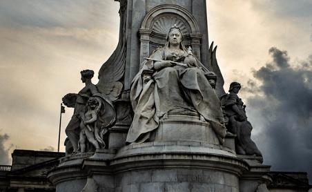Queen Vic Brexit Culture War Conservatives