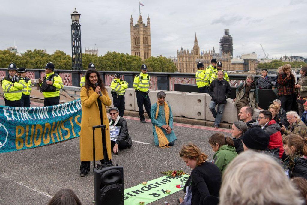 XR protestors on Lambeth Bridge in 2019. Credit: Stefan Müller