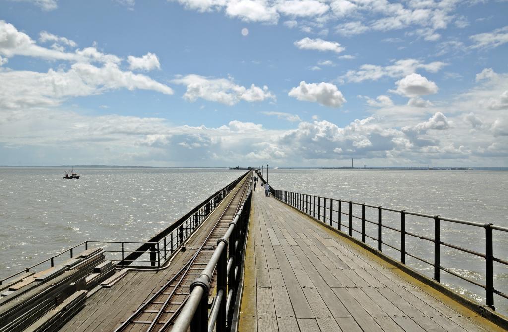 The glorious Southend pier. Beata May, CC BY-SA 3.0